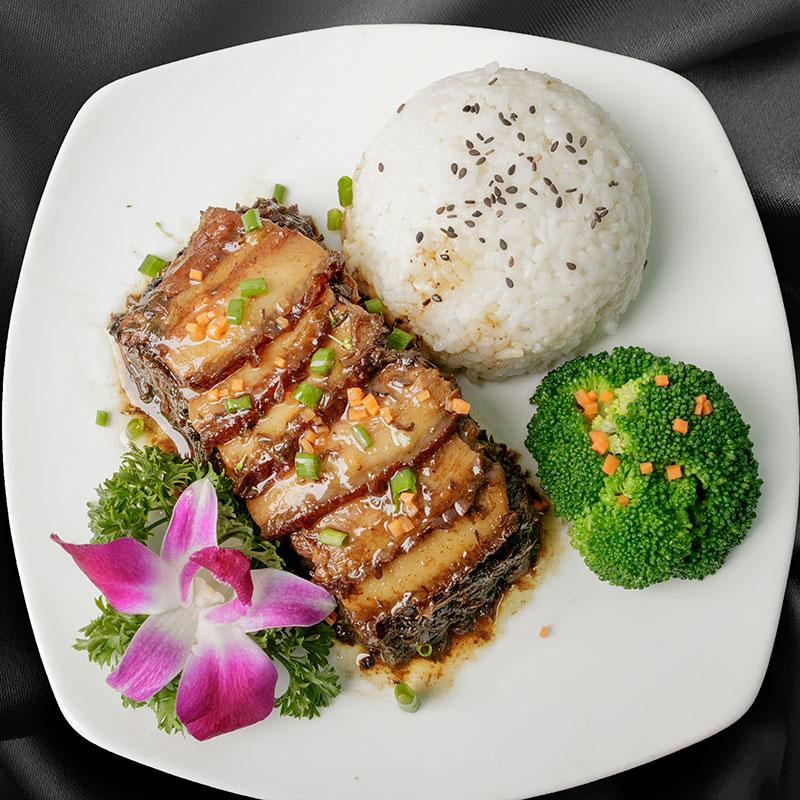 商用方便外卖料理包 梅菜扣肉 中式速食快餐冷冻半成品菜盖浇饭速冻菜肴包